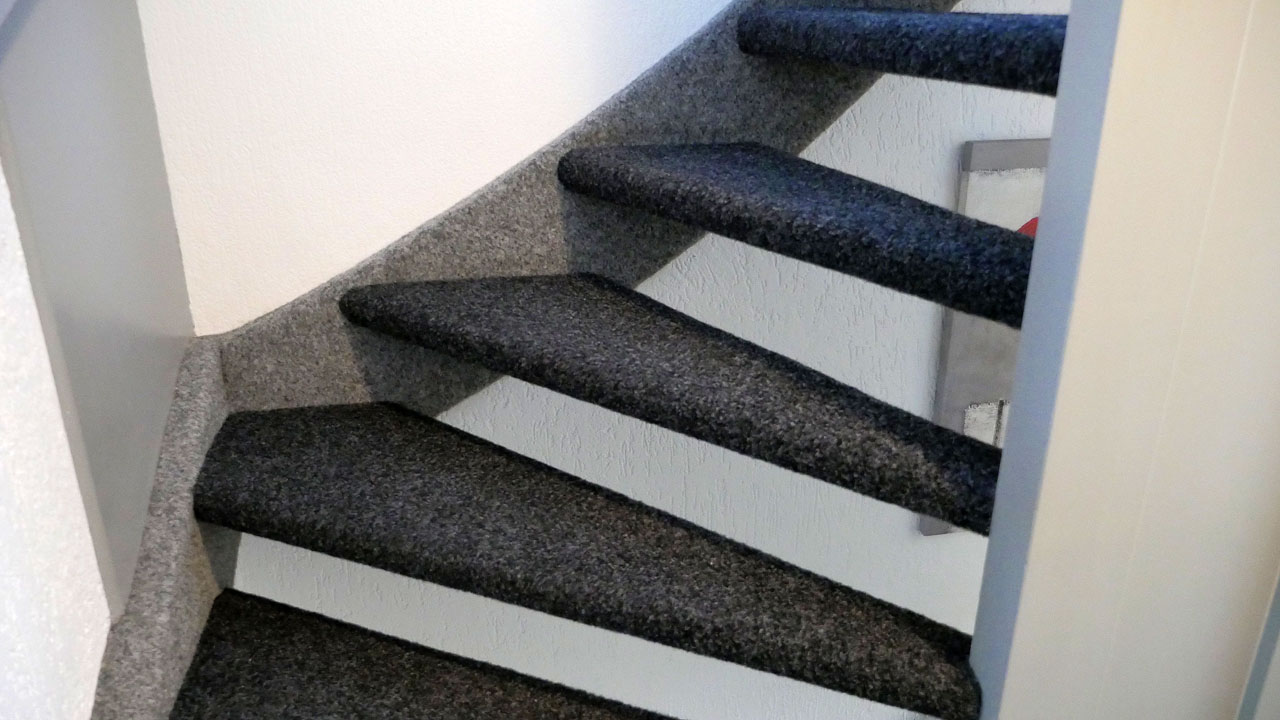 Zeer Trap vakkundig laten bekleden/stofferen? | Trapaanbieding.nl HF72